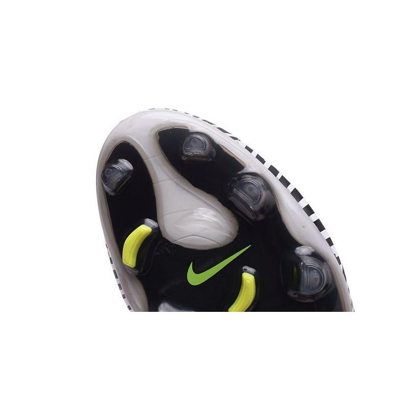 Nike Magista Obra II FG Firm Ground Soccer Cleat Zebra Volt
